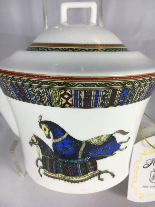 Aldeline Fine Porcelain Horse Tea Pot - Pattern
